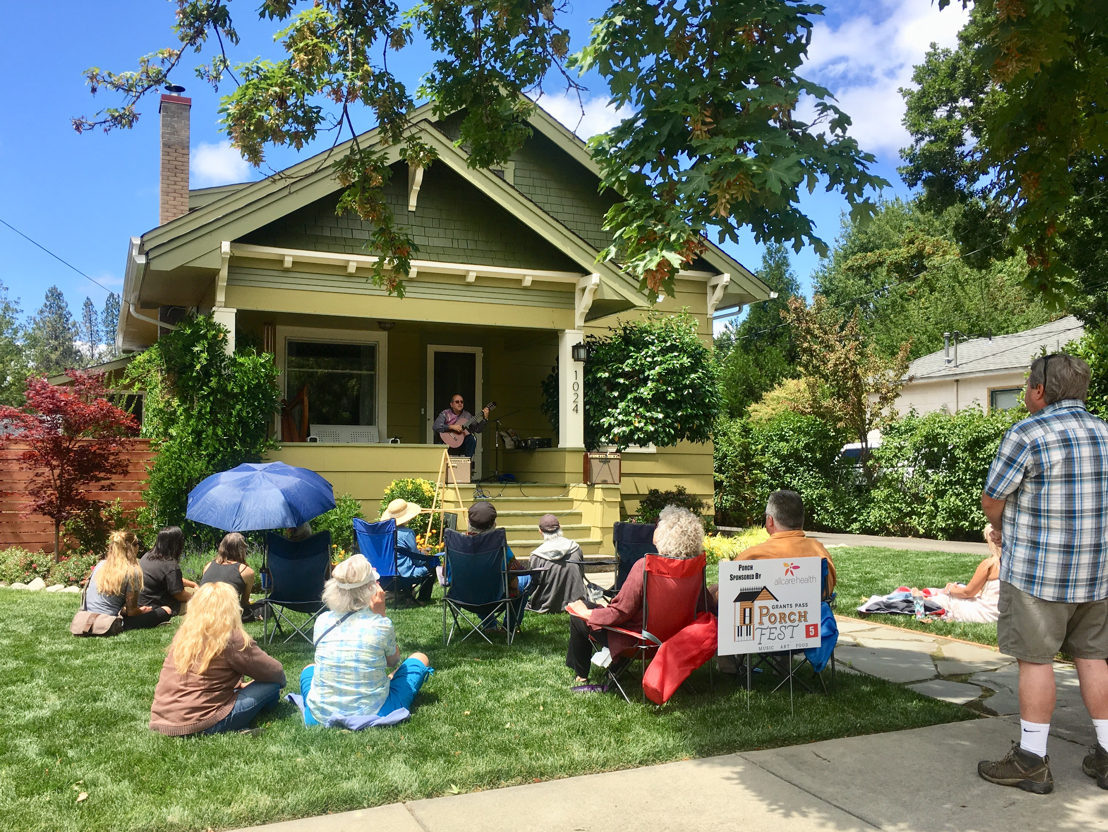 Porchfest Grants Pass - music 1