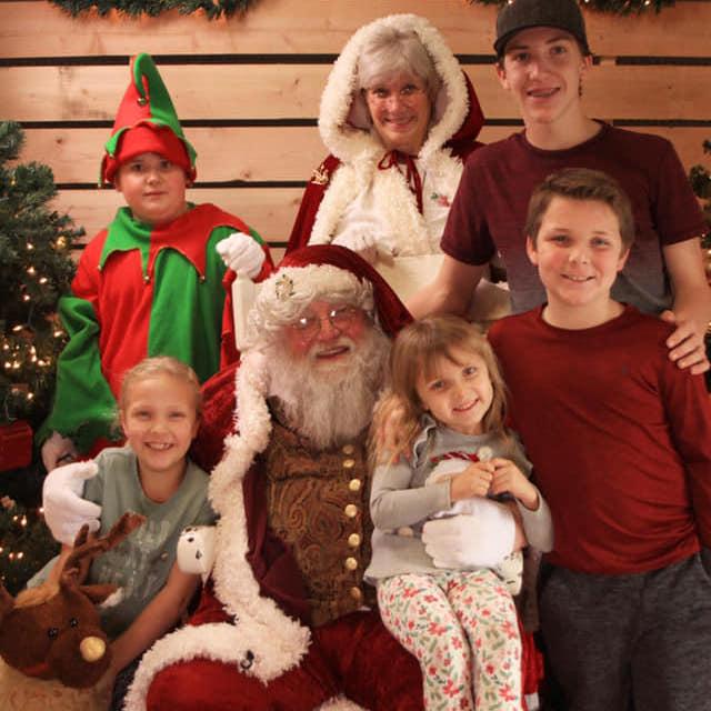 Chesi Jo's, Santa's Visit