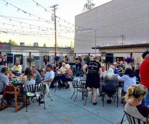 Grants Pass Patio Dining First Friday Live