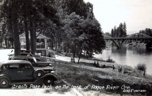 Caveman Bridge on the Rogue River