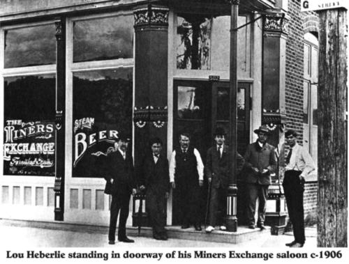 Kienlen Harbeck building Saloon in 1906